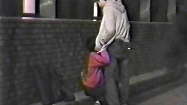 Novia xnxx anal doloroso loca y sumisa, Juego de sumisión en la calle !!!