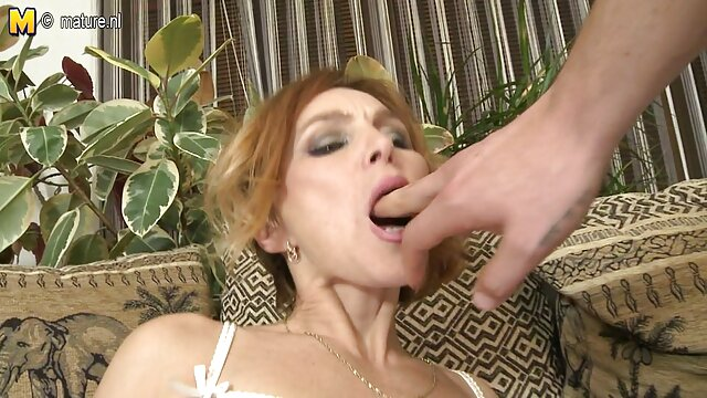 Liliane Tiger está desnuda y hará cualquier cosa para negrasculonasanal chupar