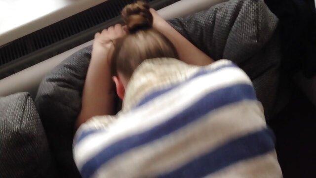 Hermanastra se masturba video de prolapso anal con su hermano y es atrapada!