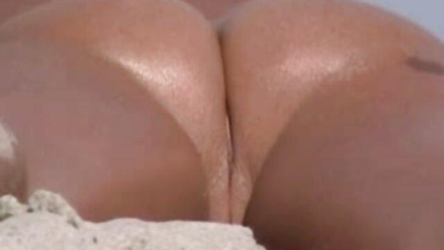 La gordas peludas anal sexy británica Sophie Dee empapa sus enormes tetas