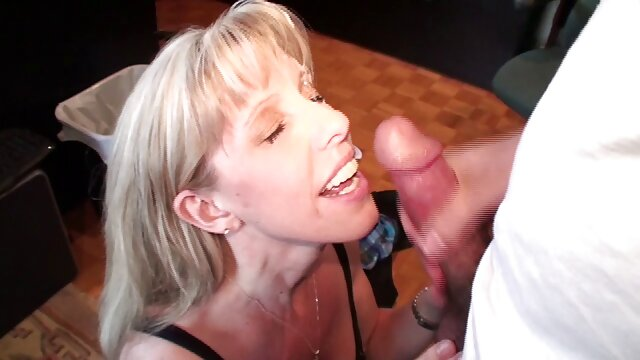 jóvenes lesbianas sexo anal zoofilia chupando lamiendo y digitación coño mojado